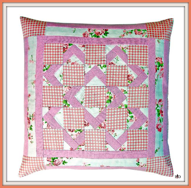 patchworkkissen in rosa-weiß