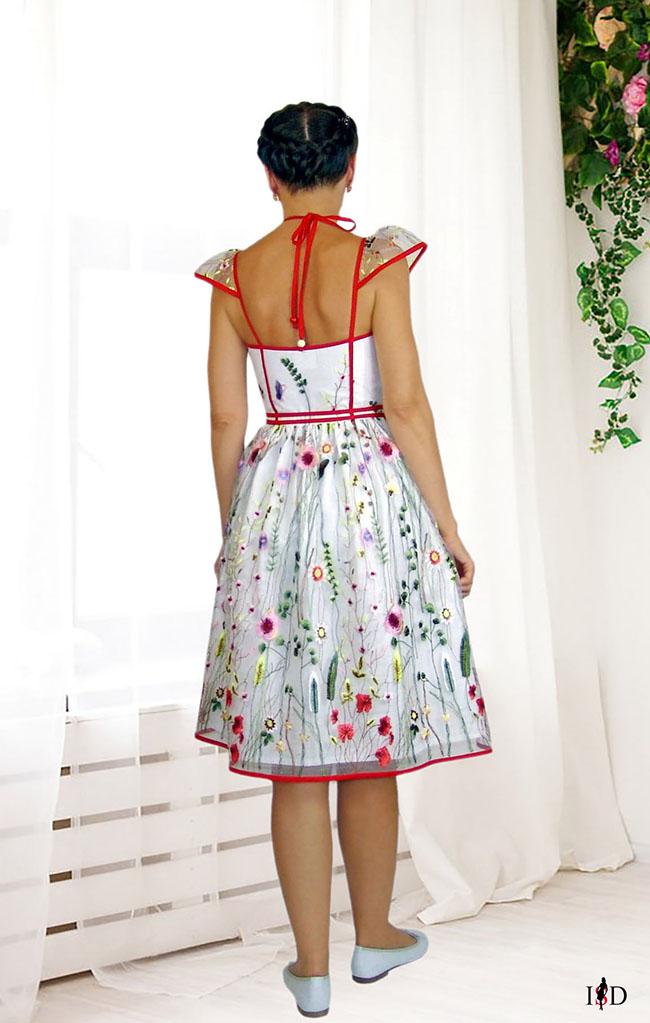 besticktes mesh kleid